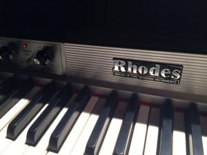 フェンダーローズピアノ