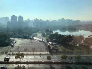 上海ホテルの部屋から2