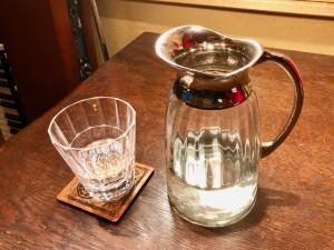 水差しとグラス