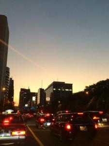 青山通り夕刻